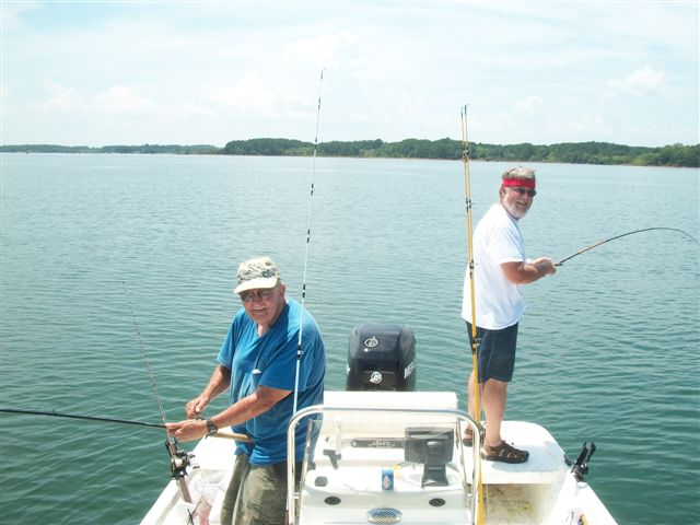 Striper fishing lake hartwell sc with guide service up for Fishing lake hartwell